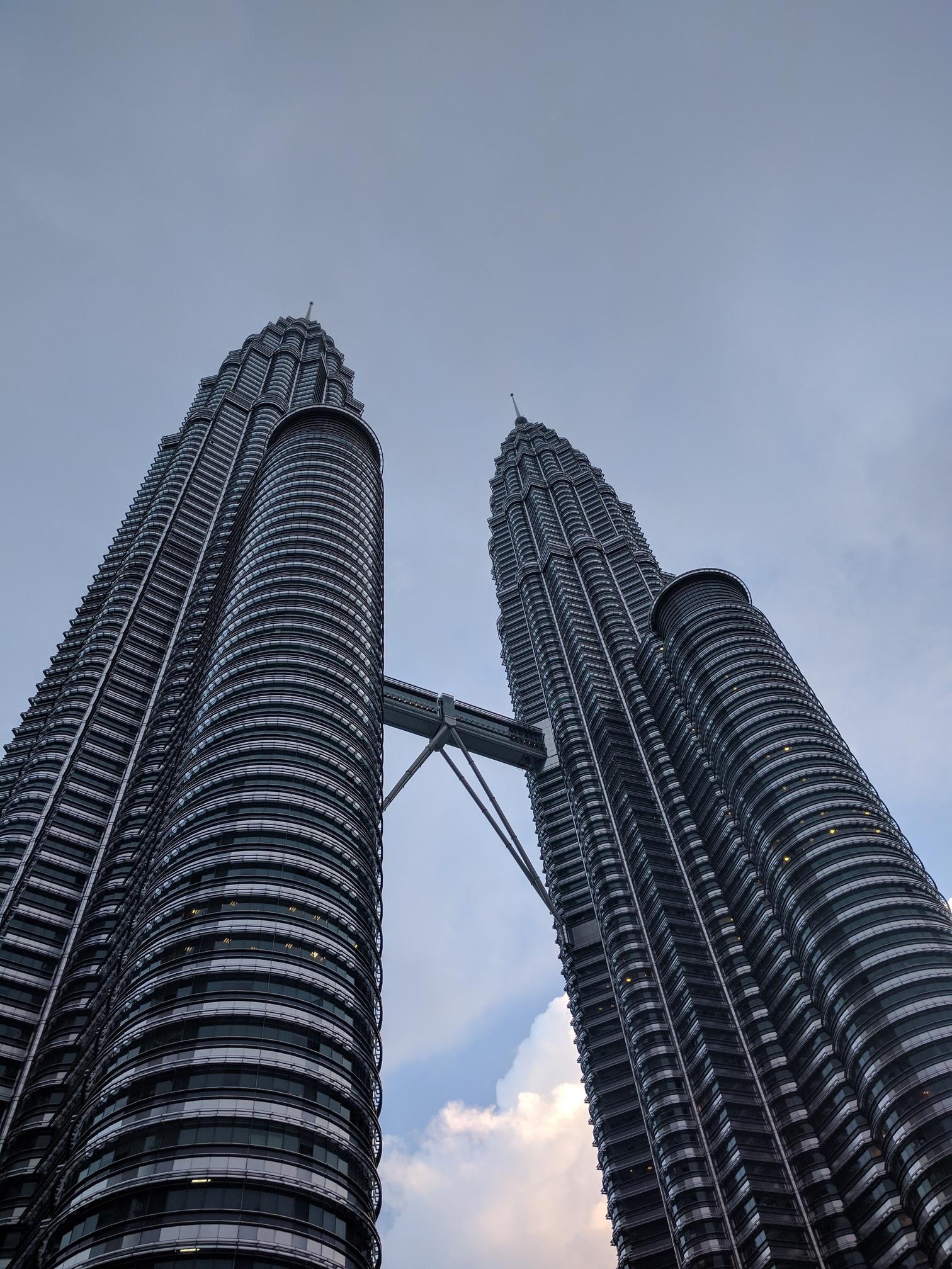 /images/Petronas-Towers.jpg