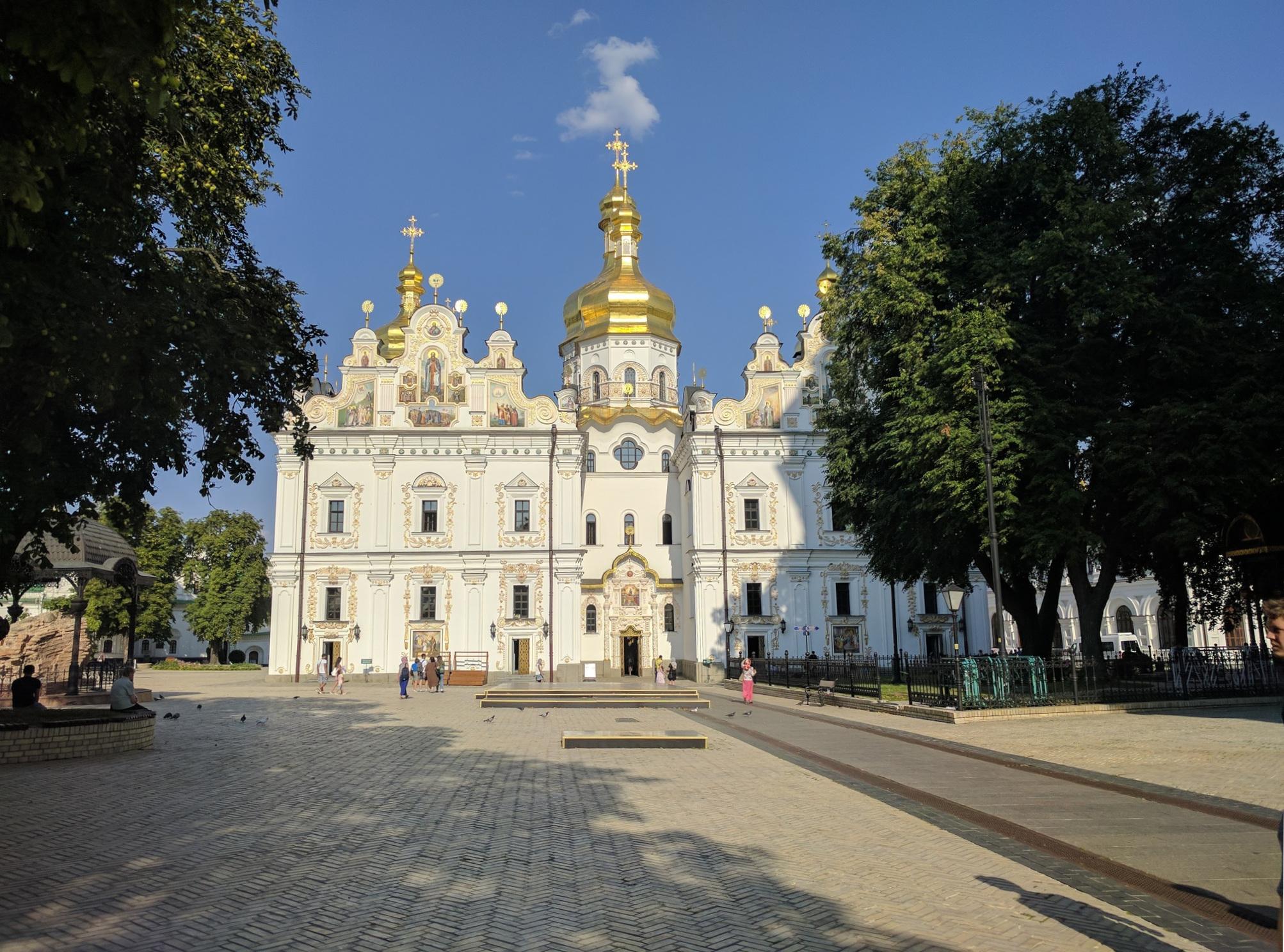 /images/Uspenskyi-Sobor.jpg