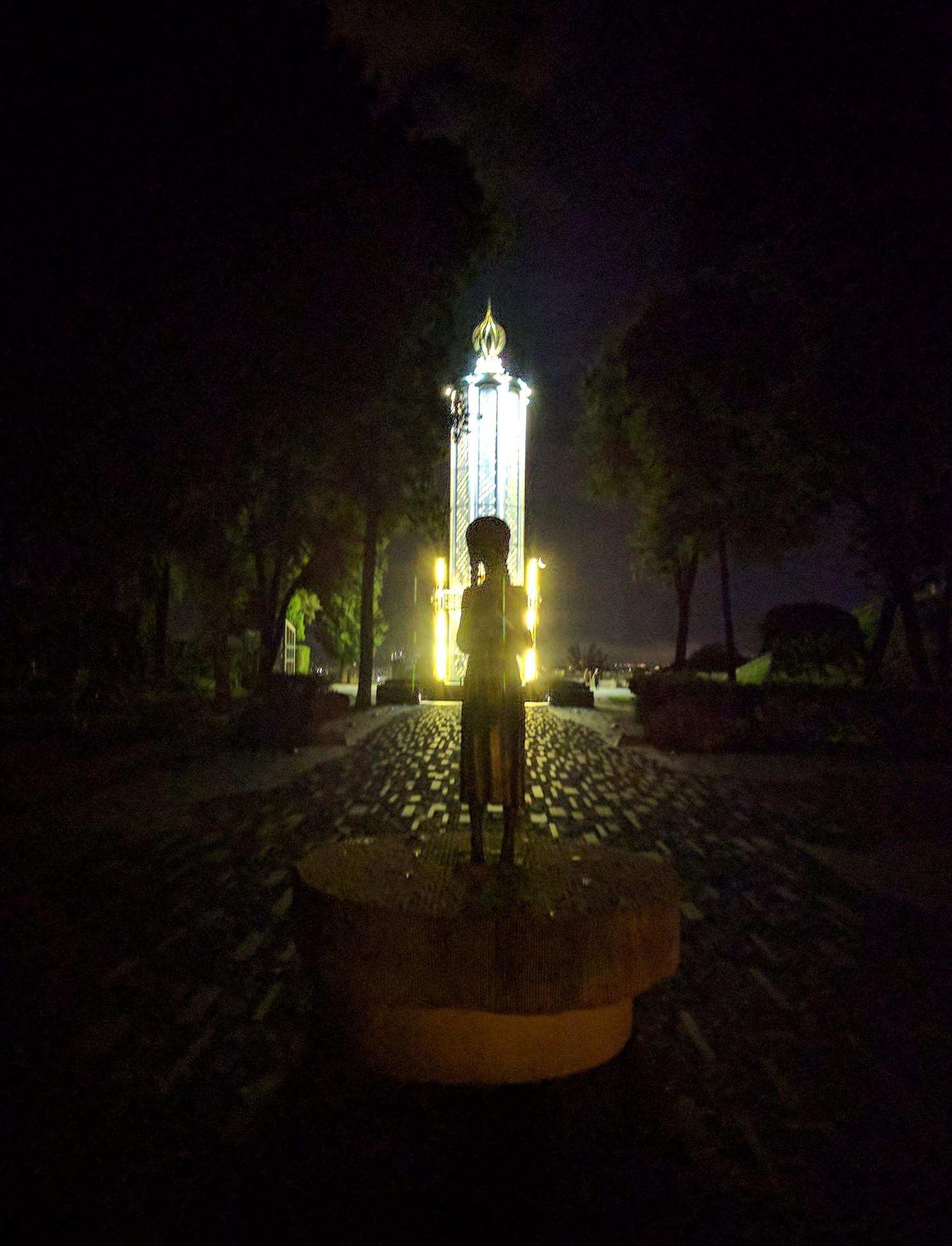 /images/ukrainian-genocide-statue.jpg
